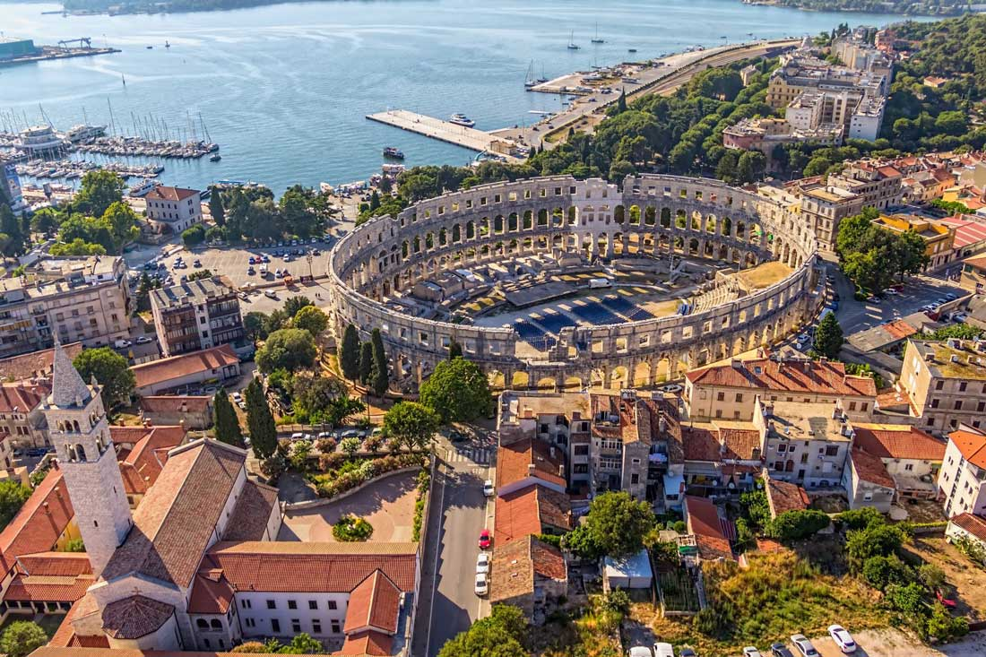http://tour.irc.com.ge/files/tours/croatia/croatia-pula.jpg
